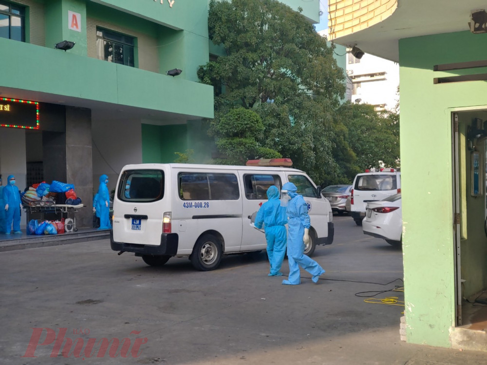Bệnh viện Đà Nẵng đang gấp rút chuyển người bệnh ra khu cách ly