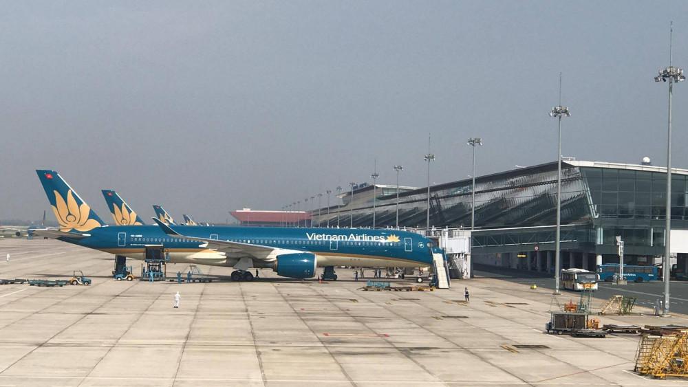 Máy bay đón công dân từ Guinea Xích Đạo đã hạ cánh tại sân bay Nội Bài chiều nay