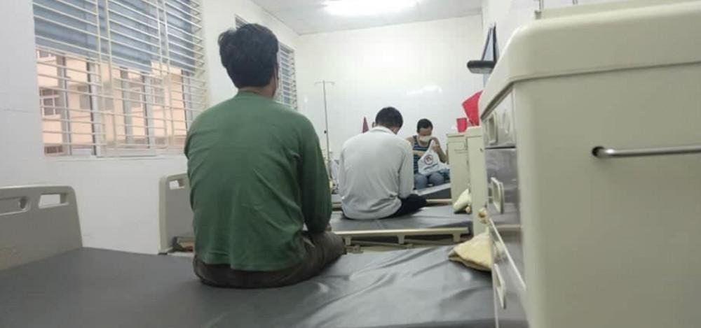 Các công nhân đang được cách ly ở Bệnh viện nhiệt đới Trung ương