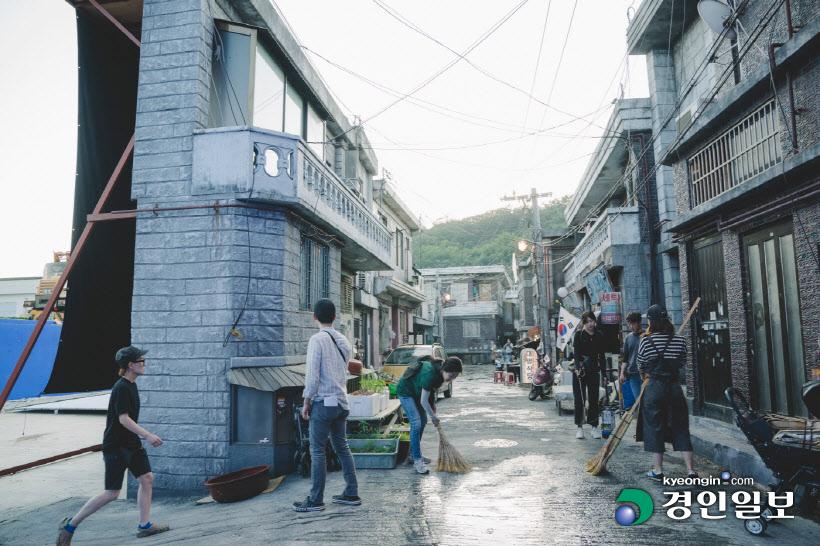 Bối cảnh phim Ký sinh trùng tại phim trường Goyang.
