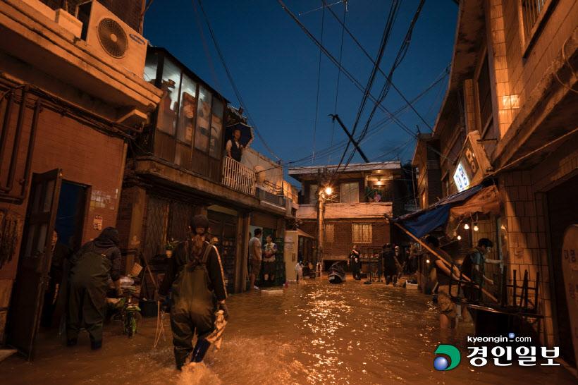 Khung cảnh ngập nước mưa kinh hoàng trong phim Ký sinh trùng được thực hiện ở phim trươnf Goyang