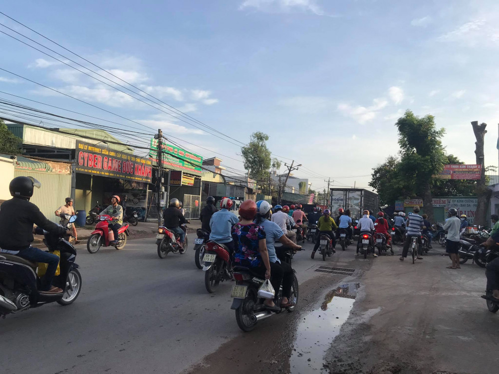 6g công nhân đi làm, giao thông qua khu vực hỗn loạn