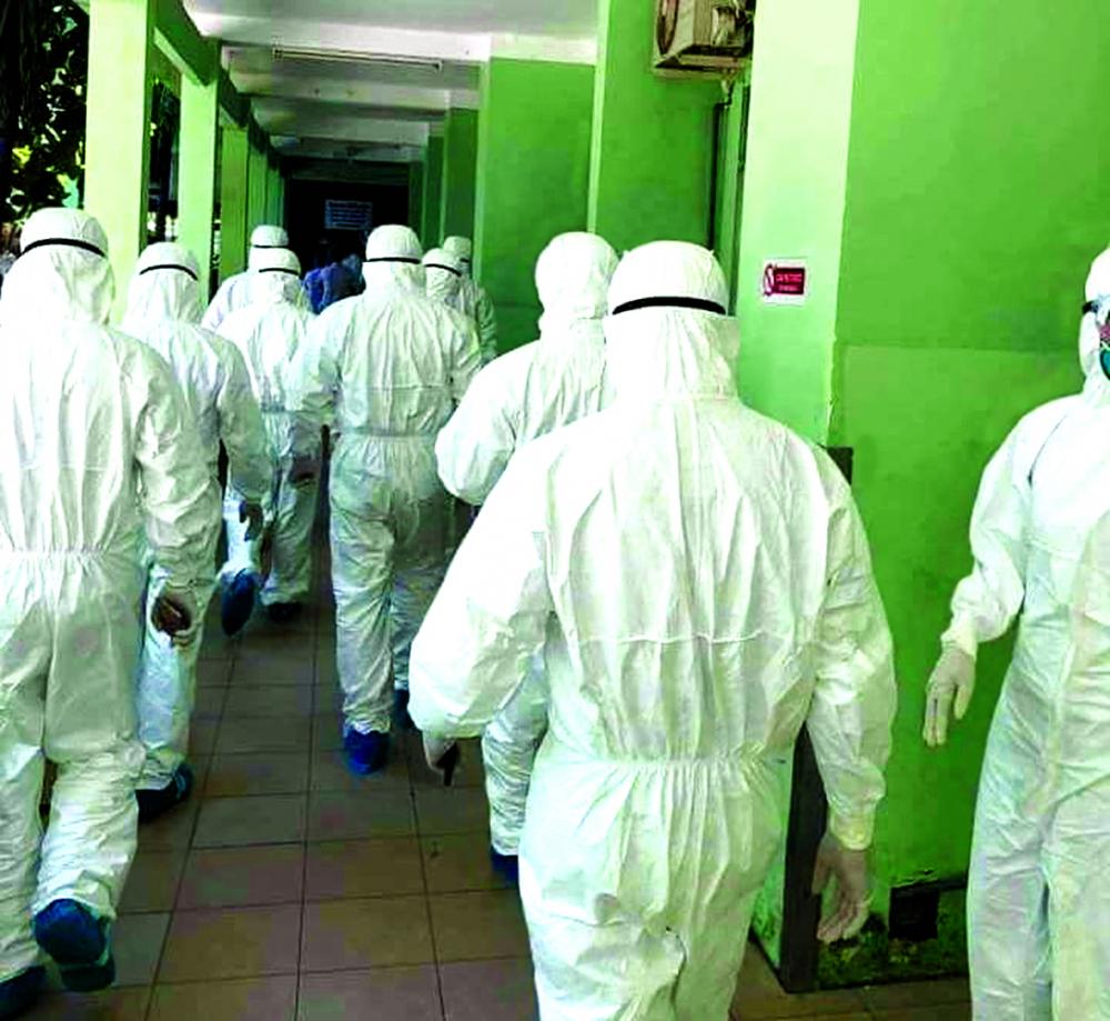 Các bác sĩ từ các bệnh viện lớn ở TPHCM, Hà Nội đến tiếp sức cho Đà Nẵng chống dịch