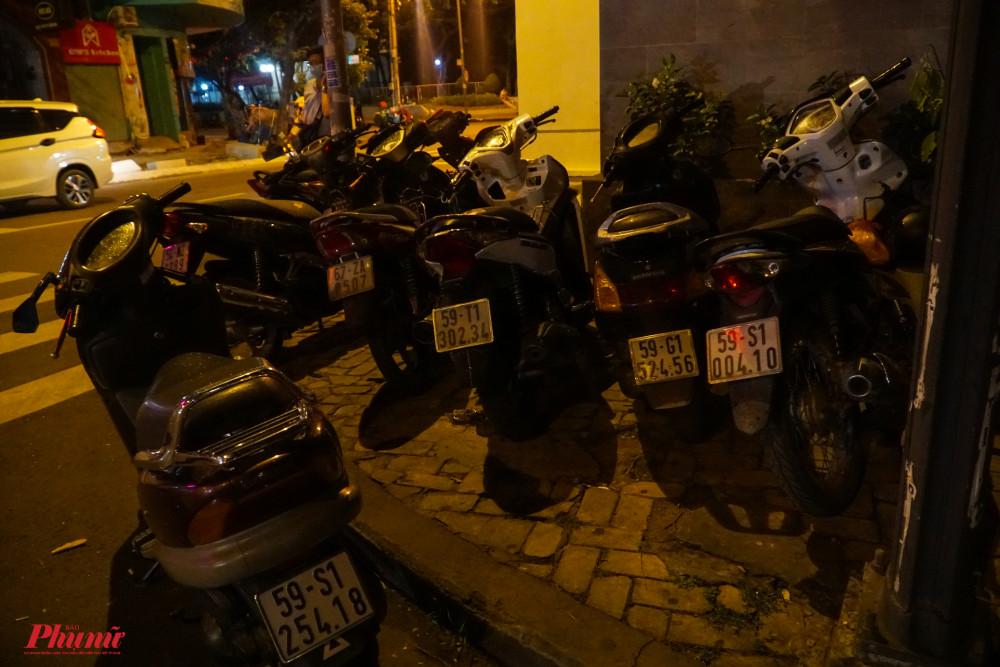7 xe máy được tạm giữ trong buổi tối kiểm tra nồng độ còn