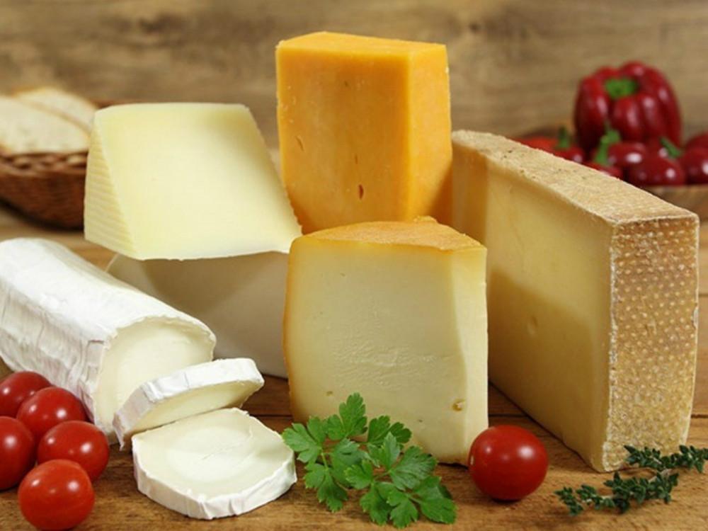 Những thực phẩm chứa nhiều chất béo thường kích thích vị giác nhưng lại tiềm ẩn nhiều nguy cơ gây ra bệnh lý về xương khớp