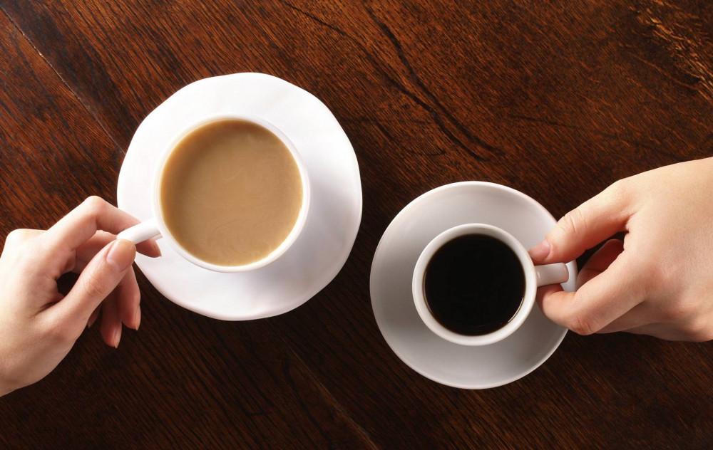 Nếu lạm dụng cà phê và trà trong thời gian dài, tình trạng đau nhức xương khớp có thể nên nặng hơn