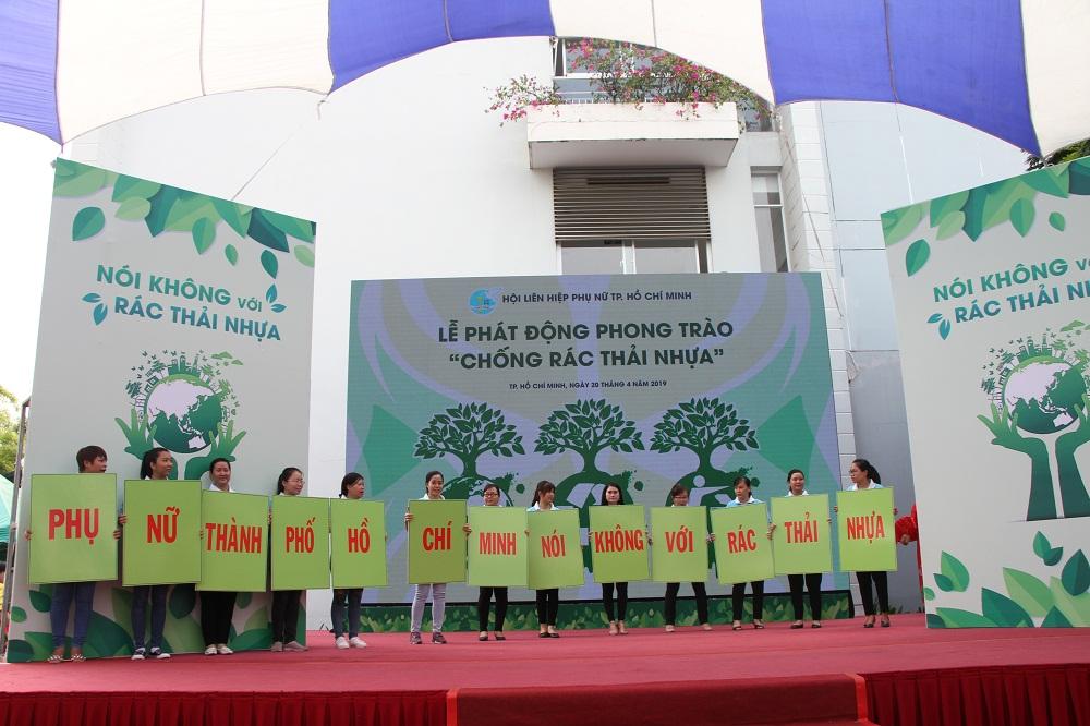 Phụ nữ TP.HCM trong lễ phát động phòng, chống rác thải nhựa tháng 4/2020