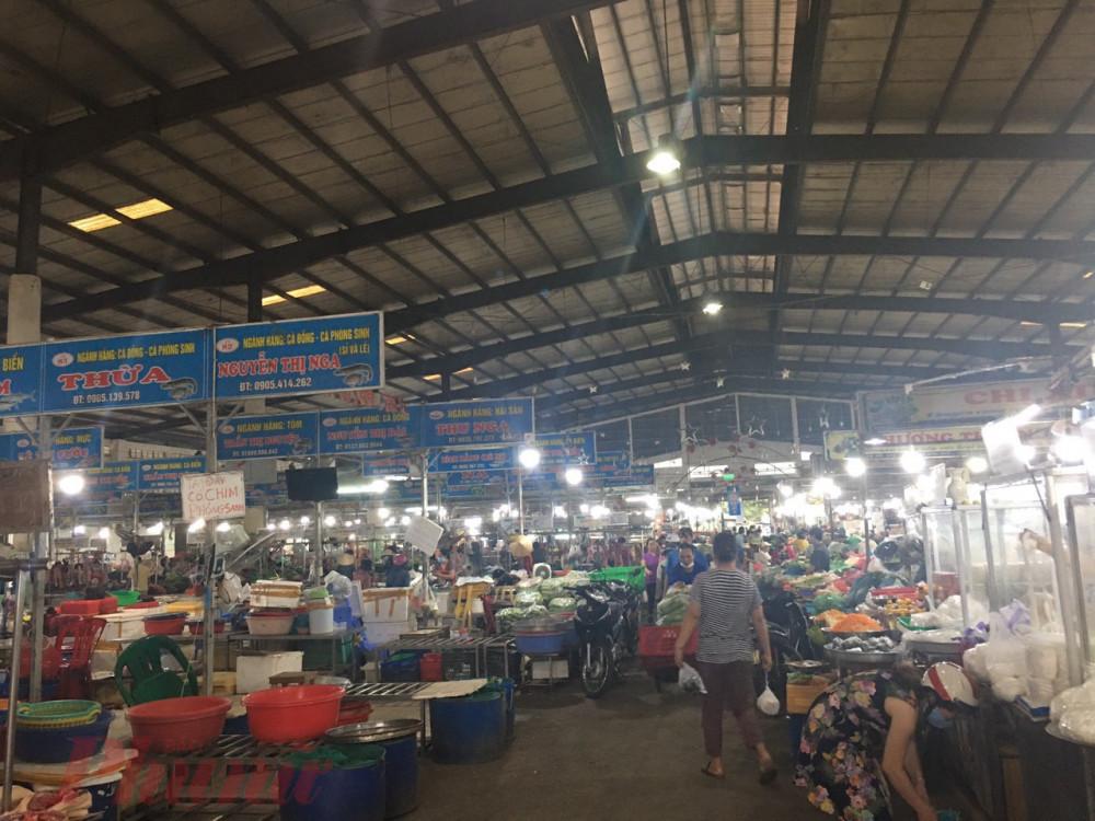Do không nhận đầy đủ thông tin, từ chiều ngày 30/7, rất nhiều người dân đã đổ xô đi mua lương thực tích trữ