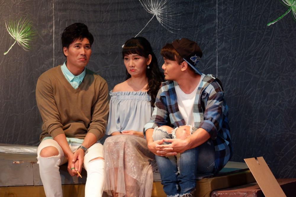 NSƯT Mỹ Uyên và hai bạn diễn trong vở Bồ công anh ra mắt cách đây không lâu, lấy chủ đề về người đồng tính