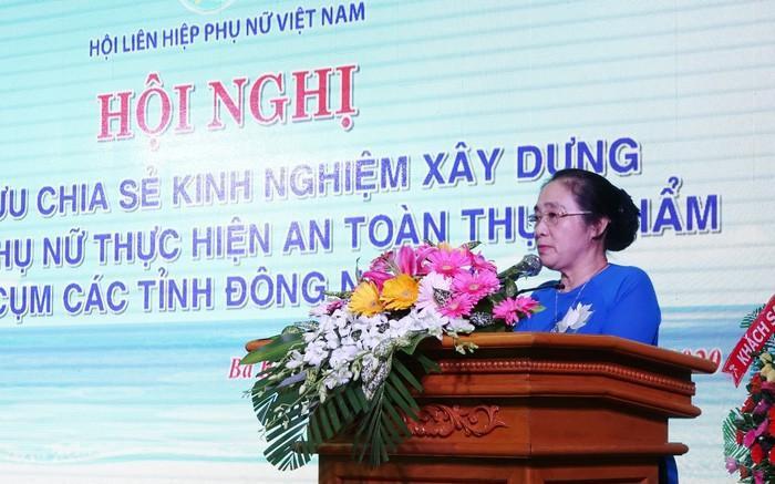 Bà Hoàng Thị Ái Nhiên phát biểu chỉ đạo tại hội nghị