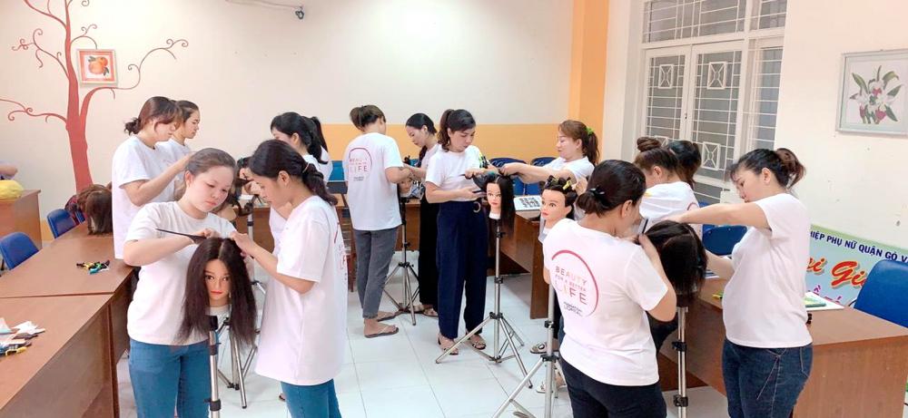 Lớp học làm tóc do Hội Phụ nữ Q.Gò Vấp vừa mở
