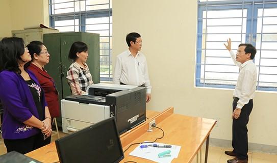 Bộ GD-ĐT kiểm tra công tác chuẩn bị cho kỳ thi tốt nghiệp THPT tại Đồng Nai - Ảnh Báo Đồng Nai
