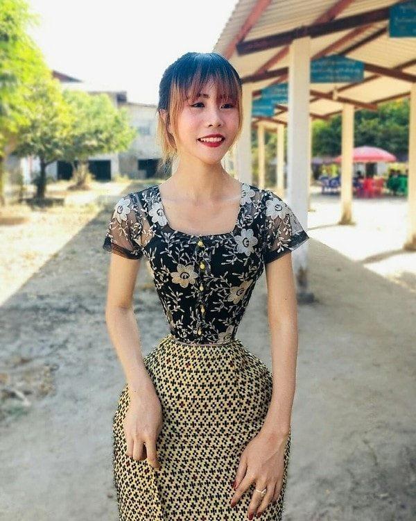 Thời gian gần đây, Su Naing (23 tuổi) - một sinh viên tại Myanmar - thường xuyên chia sẻ ảnh của mình lên Instagram và nhanh chóng thu hút sự chú ý của cư dân mạng bởi vòng eo cực nhỏ.
