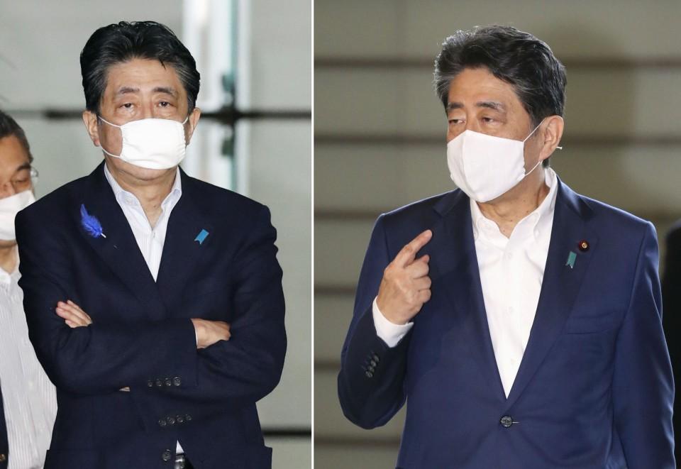 """Thủ tướng Shinzo Abe đeo khẩu trang """"Abenomask"""" hồi tháng 4 (trái) và đeo khẩu trang vải bình thường vào ngày 3/8. Ảnh: Kyodo"""