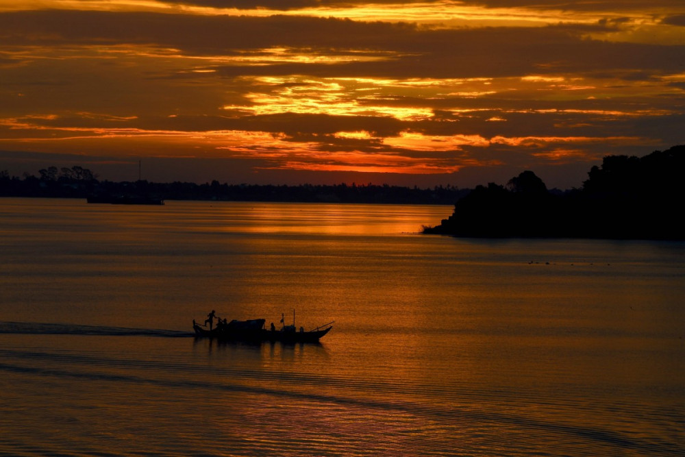 Dòng sông Mê Kông là nơi sinh sống của 60 triệu người dân khu vực Đông Á.