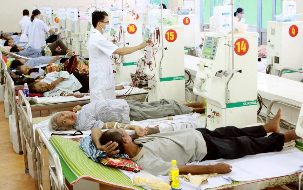 Ngành Y tế TPHCM phấn đấu đến cuối năm 2025 đạt tỷ lệ 21 bác sĩ/10.000 dân; đạt 42 giường bệnh/10.000 dân