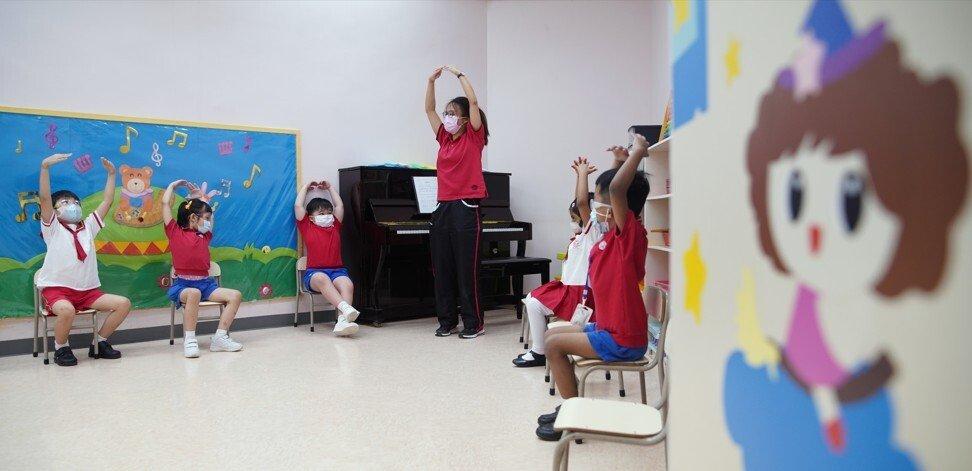 Hình thức học trực tiếp tại các trường học và mẫu giáo ở Hồng Kông đã giảm đi từ năm 2020 - Ảnh: SCMP/Winson Wong