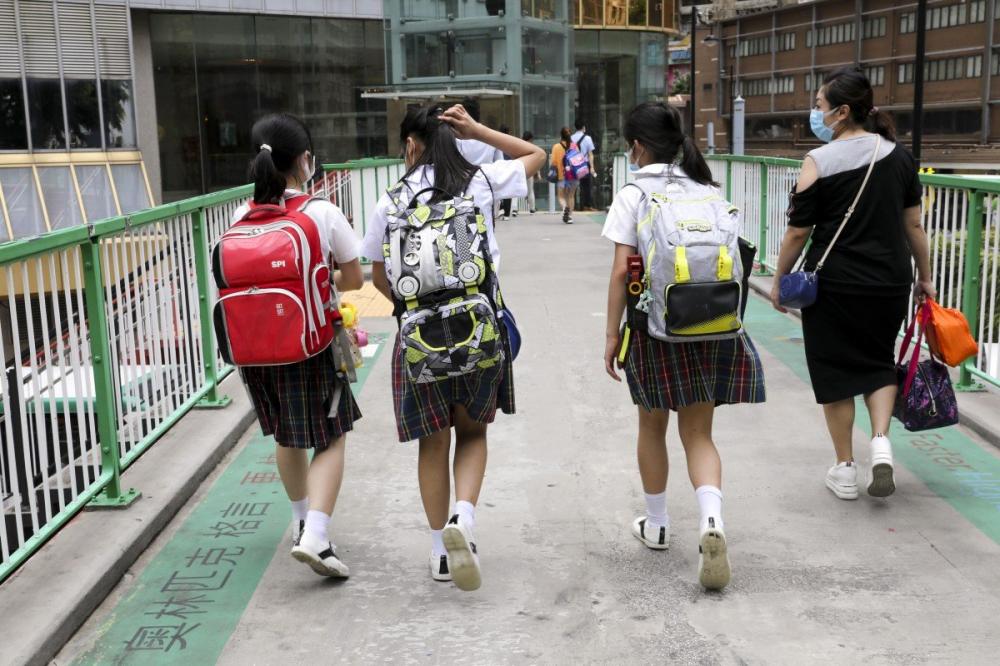 Chính quyền đặc khu cho biết học sinh sẽ không đến trường trở lại khi khi một số trường kết thúc kỳ nghỉ hè vào ngày 17/8 - Ảnh: SCMP/Dickson Lee