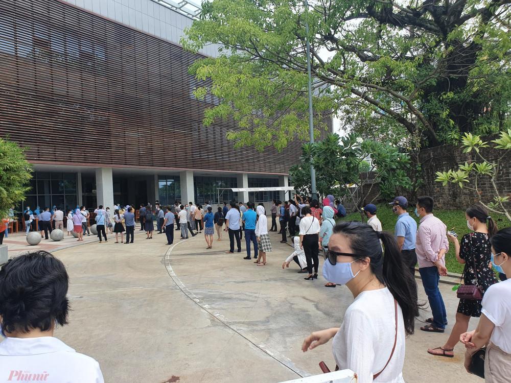 Thành phố Đà Nẵng đang tiến hành lấy mẫu xét nghiệm diện rộng người dân toàn thành phố