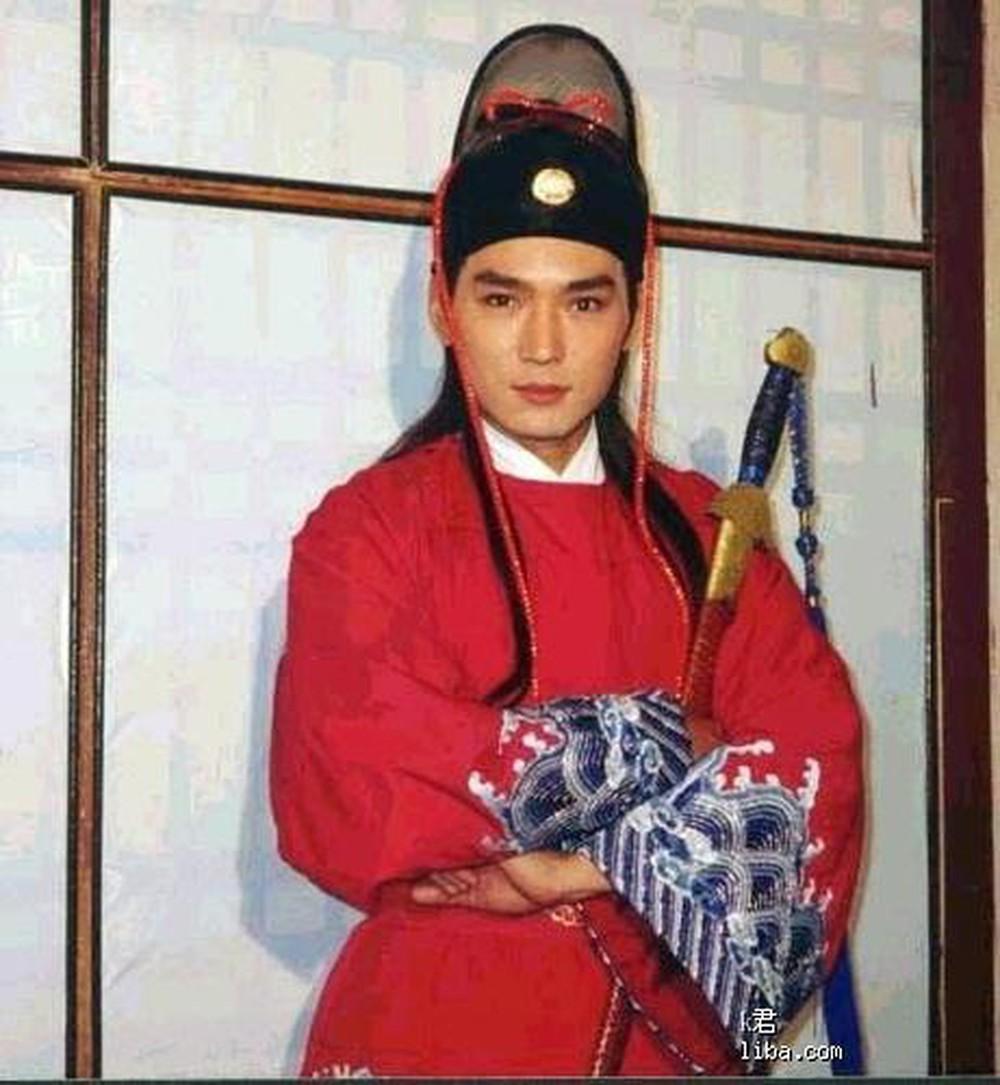 Tiêu Ân Tuấn cũng khiến nhiều khán giả nữ say đắm khi vào vai Triển Chiêu