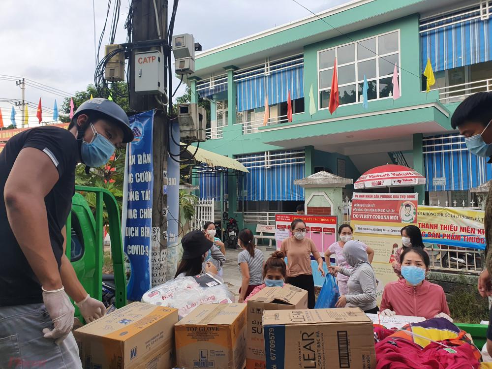 Do các ca nhiễm COVID-19 tăng liên tục, đối tượng F1 lên tới hàng ngàn nên chính quyền Đà Nẵng huy động hết toàn bộ lực lượng y tế, kể cả ở thôn để dập dịch