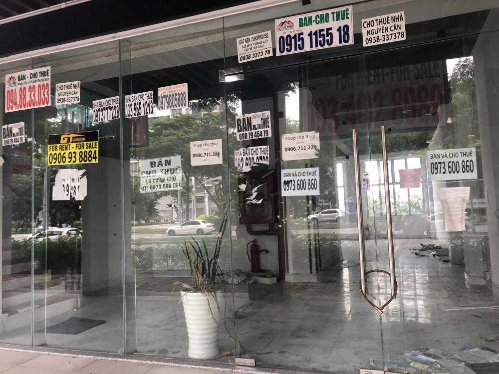 Theo các cư dân khu vực chung cư Happy Valley các shophouse bỏ trống rất nhiều tháng