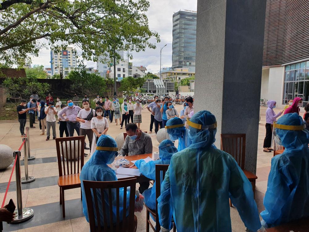 Đà Nẵng tiến hành lấy mẫu diện rộng trong cộng đồng