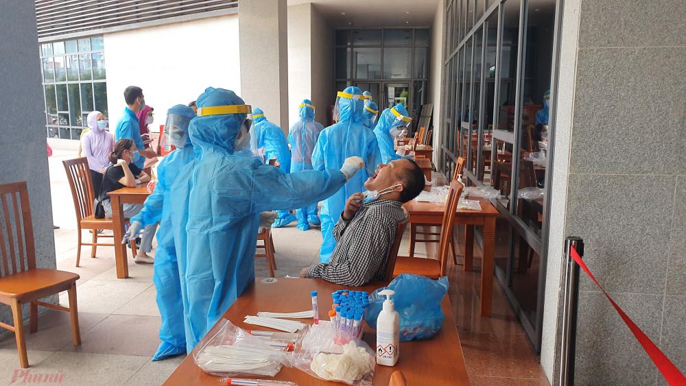 Ca nhiễm ngày càng nhiều, Đà Nẵng đang tăng tốc xét nghiệm rộng
