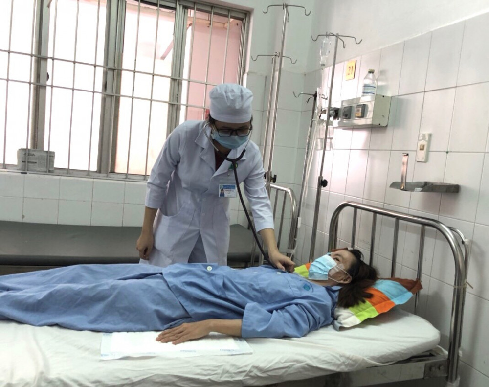 Các y bác sĩ vẫn tiếp tục theo dõi diễn tiến tình trạng sức khỏe của chị Th. sáng 5/8.