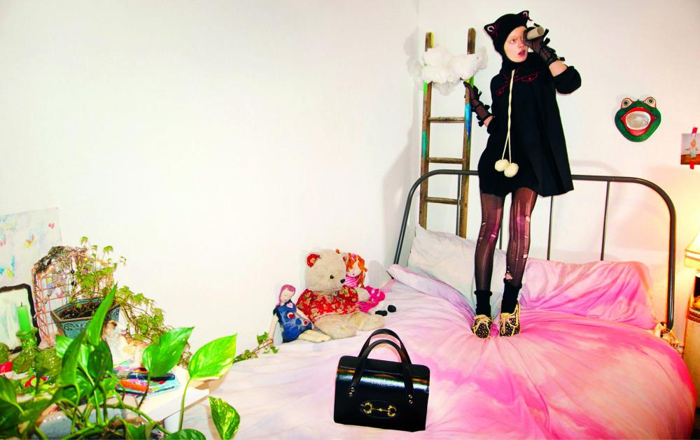 Người mẫu của hãng Gucci thoải mái sáng tạo  với trang phục trong bộ sưu tập mới