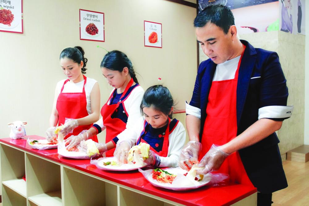 Dù bận rộn, NSƯT Quyền Linh vẫn luôn cố gắng cân bằng cuộc sống gia đình