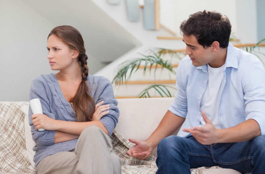Vợ chồng nên giận sáng chiều lành, giận đầu giường huề ngoài cửa. Ảnh minh họa