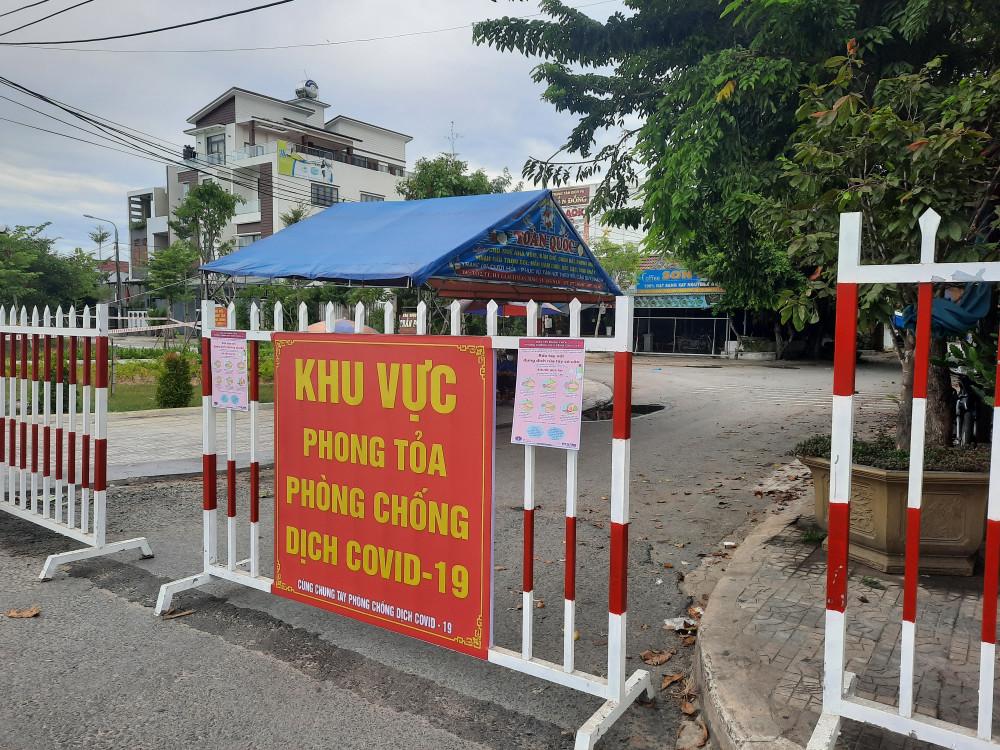 UBND tỉnh Quảng Nam vừa có thông báo phong tỏa khu dân cư nơi có bệnh nhân 672 dương tính với COVID- 19 ư trú