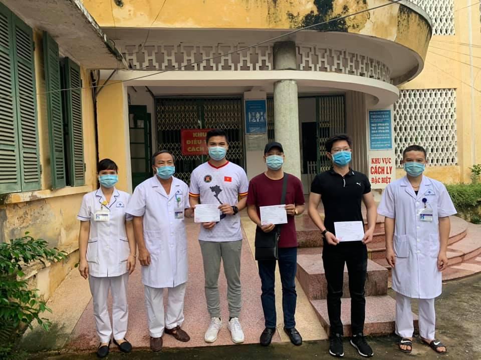 Chiều nay, 3 bệnh nhân mắc COVID-19 tại Bệnh viện đa khoa tỉnh Nam Định được công bố khỏi bệnh.