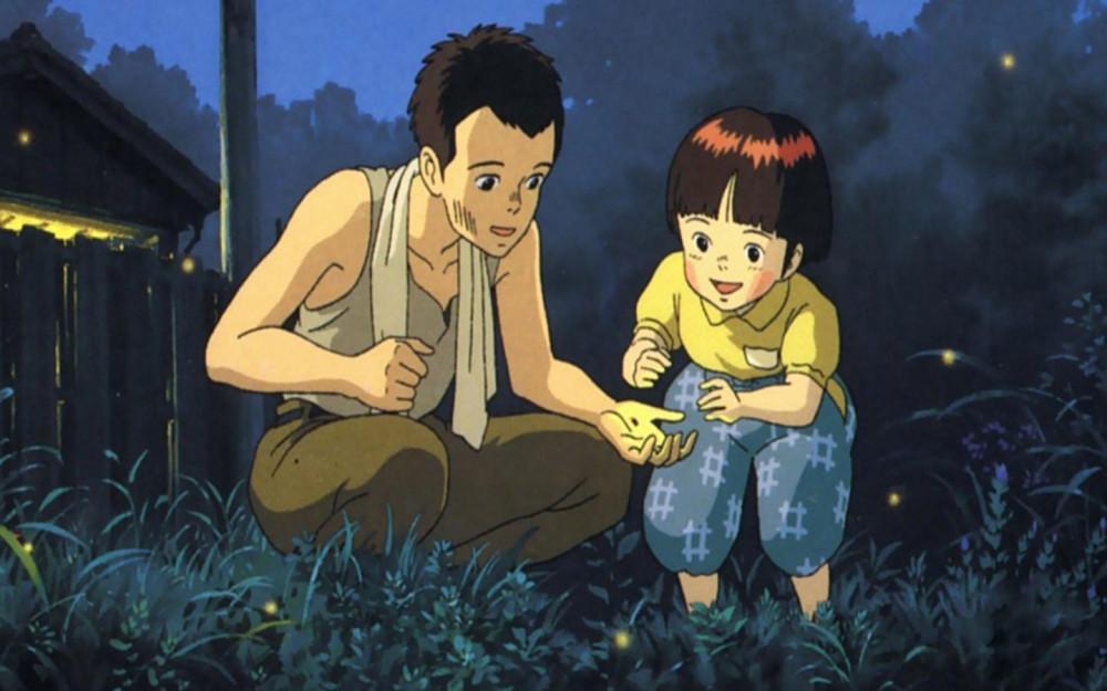 Mộ đom đóm là phim hoạt hình cảm động về tình cảm anh em khi ba mẹ qua đời vì chiến tranh.