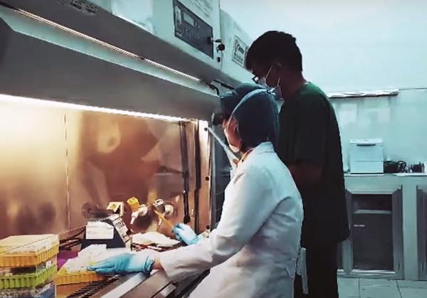 Xét nghiệm virus SARS-CoV-2 tại Trung tâm Kiểm soát bệnh tật TP.HCM. Ảnh:HCDC