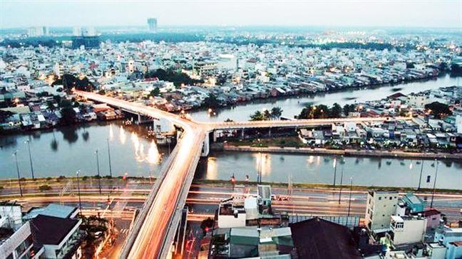 Cầu chữ Y bắc qua kênh Tàu Hũ. Ảnh: vanchuongphuongnam