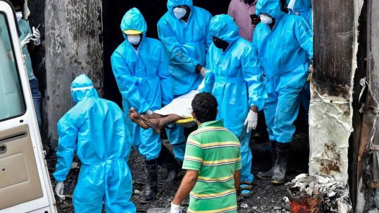 Ít nhất 7 người chết trong vụ cháy tại cơ sở điều trị COVID-19 ở Ấn Độ.