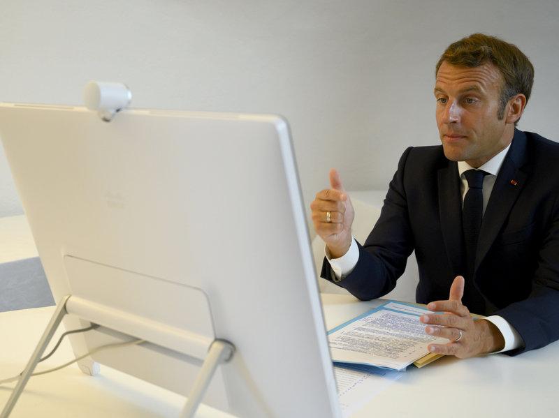 Tổng thống Pháp Emmanuel Macron - cùng với LHQ – đứng ra tổ chức hội nghị thượng đỉnh giúp Lebanon khắc phục hậu quả của vụ nổ thảm khốc tuần trước - Ảnh: AP