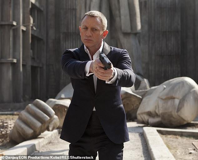 Daniel Craig không lọt nổi vào top 3 được yêu thích nhất.
