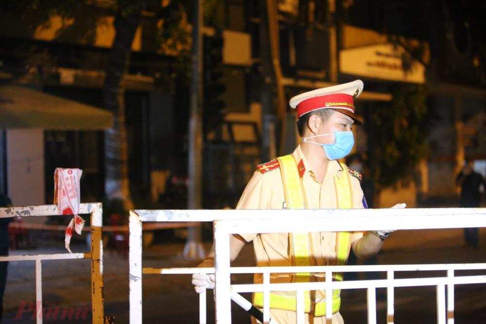 Cảnh sát gỡ phong tỏa các tuyến đường quanh Bệnh viện Chỉnh hình