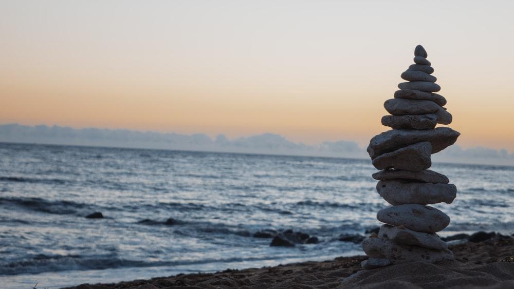 Tìm bình yên giữa những ngày biến động, thật chẳng dễ dàng...