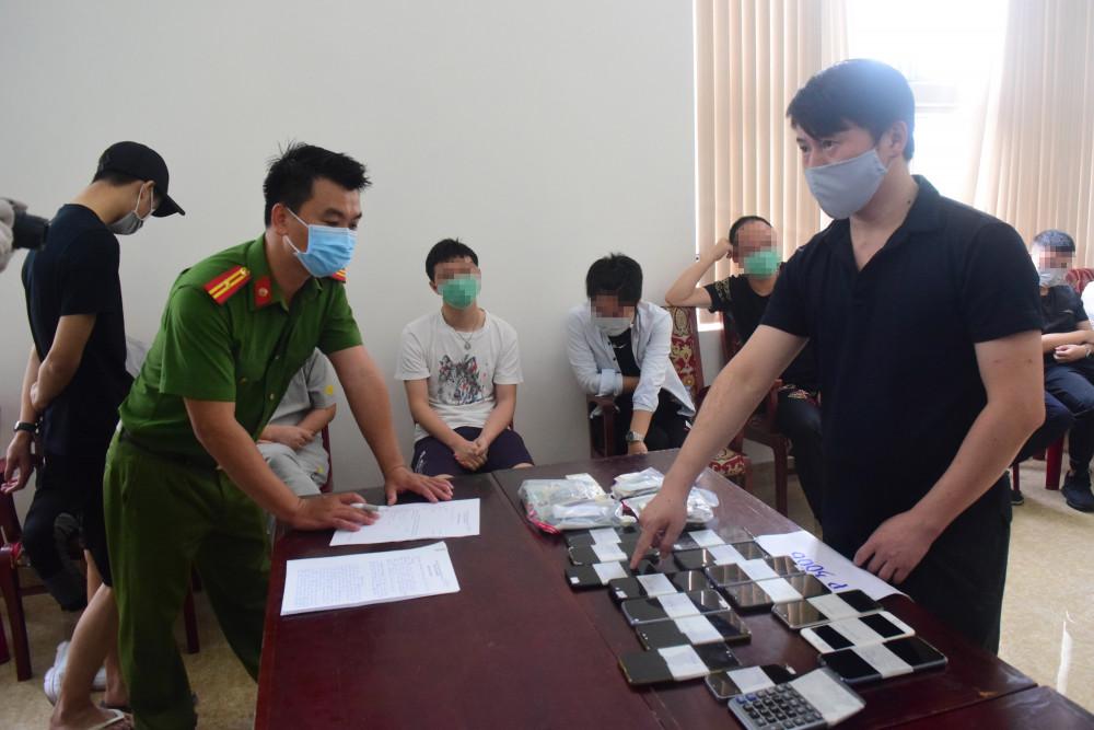 Các đối tượng khai báo trốn sang Việt Nam đi du lịch nhưng thực tế tổ chức đánh bạc