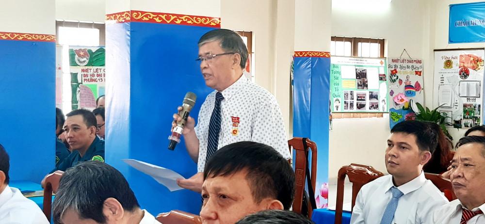 Ông Trịnh Duy Quý phát biểu về công tác phát triển đảng viên mới tại Đại hội đại biểu Đảng bộ phường 13, quận 6