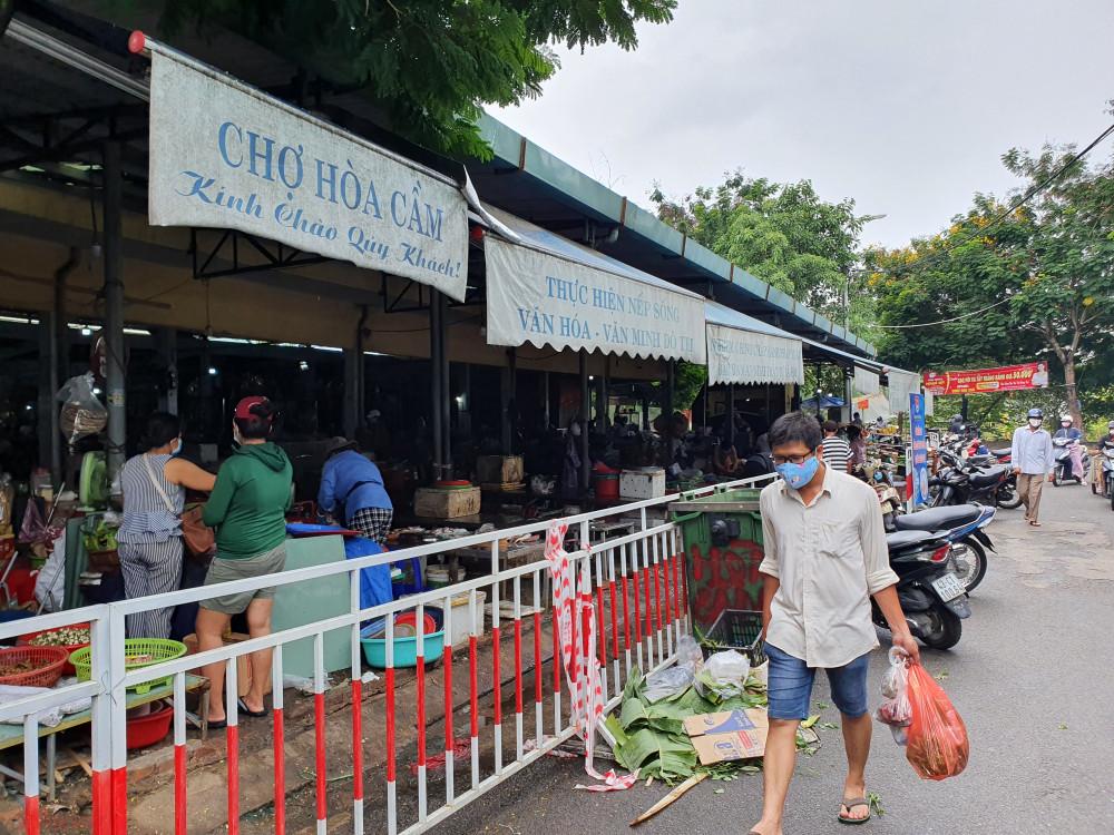 Người dân Đà Nẵng chỉ được đi chợ 3 ngày một lần