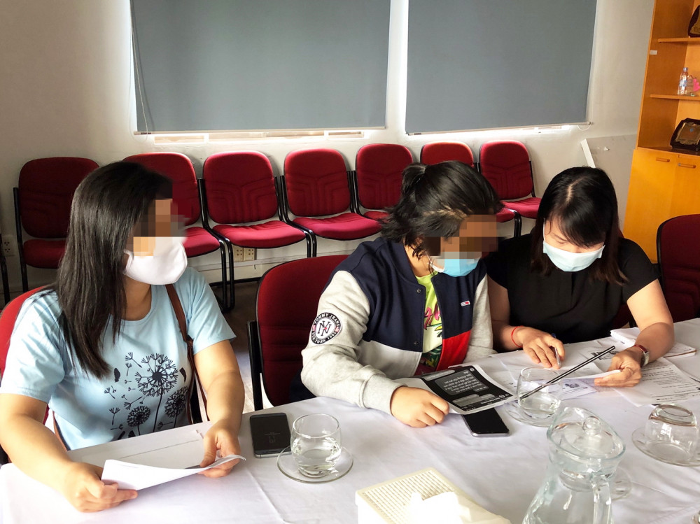Nạn nhân đến tòa soạn Báo Phụ Nữ TP.HCM tố cáo các đối tượng lừa đảo