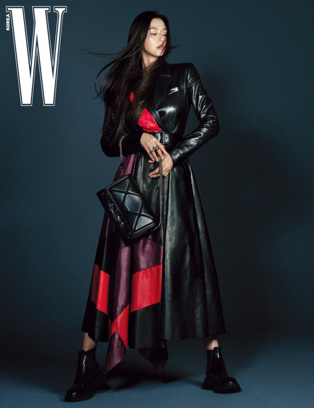 Jun Ji Hyun là gương mặt trang bìa yêu thích của các tạp chí danh tiếng xứ Hàn.