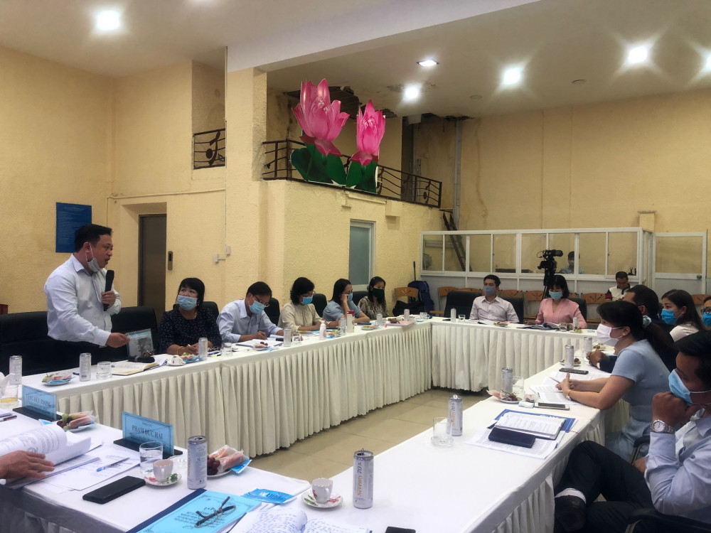 Ông Lê Cao Đạt - Giám đốc Trung tâm Văn hoá TPHCM - trình bày về các tồn tại, khó khăn của đơn vị. Ảnh: Quốc Ngọc