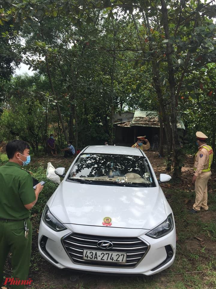 CSGT Đà Nẵng tạm giữ phương tiện của lái xe grab để làm việc