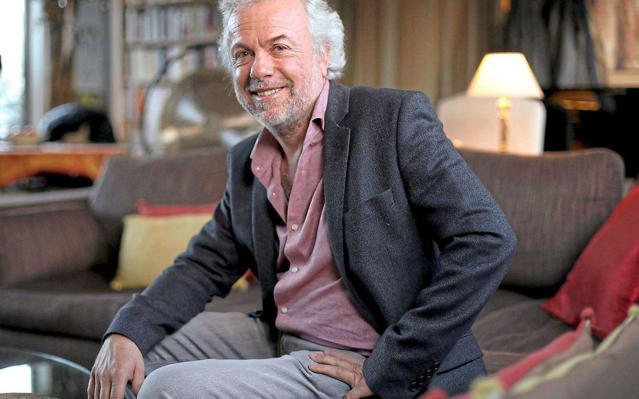 2. Nhà triết học Frédéric Lenoir